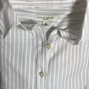 Banana Republic Fine pinstripes Button down M NWOT